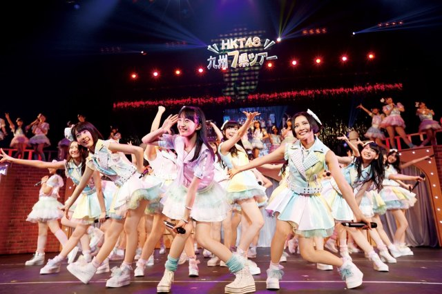 news_xlarge_HKT48_fukuoka_night_01