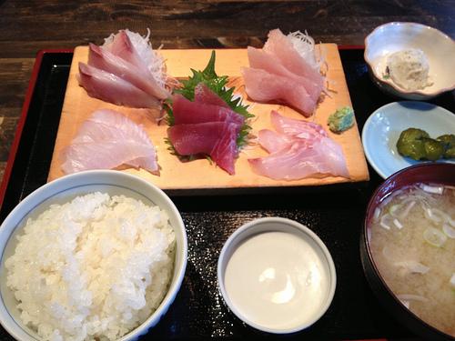 伊東で美味しい金目鯛の煮付けを食べたよ!!