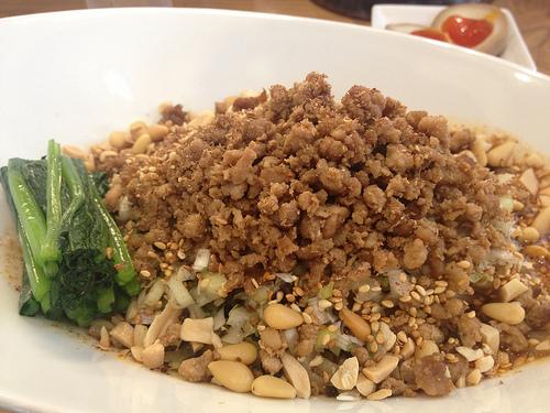 辛い×麺は好きなんだけど要注意!!九段下の雲林坊で汁なし担々麺を食べてきたよ!!
