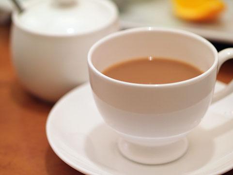 コーヒーのドリッパーを真剣に探していましたよ!